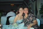 00430020_momanddaughter