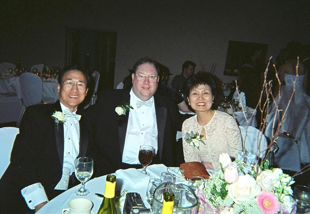 party_group_inlaws_00590026